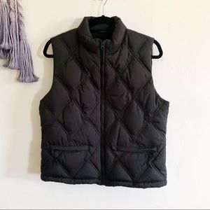 GAP • vintage retro black puffer vest medium